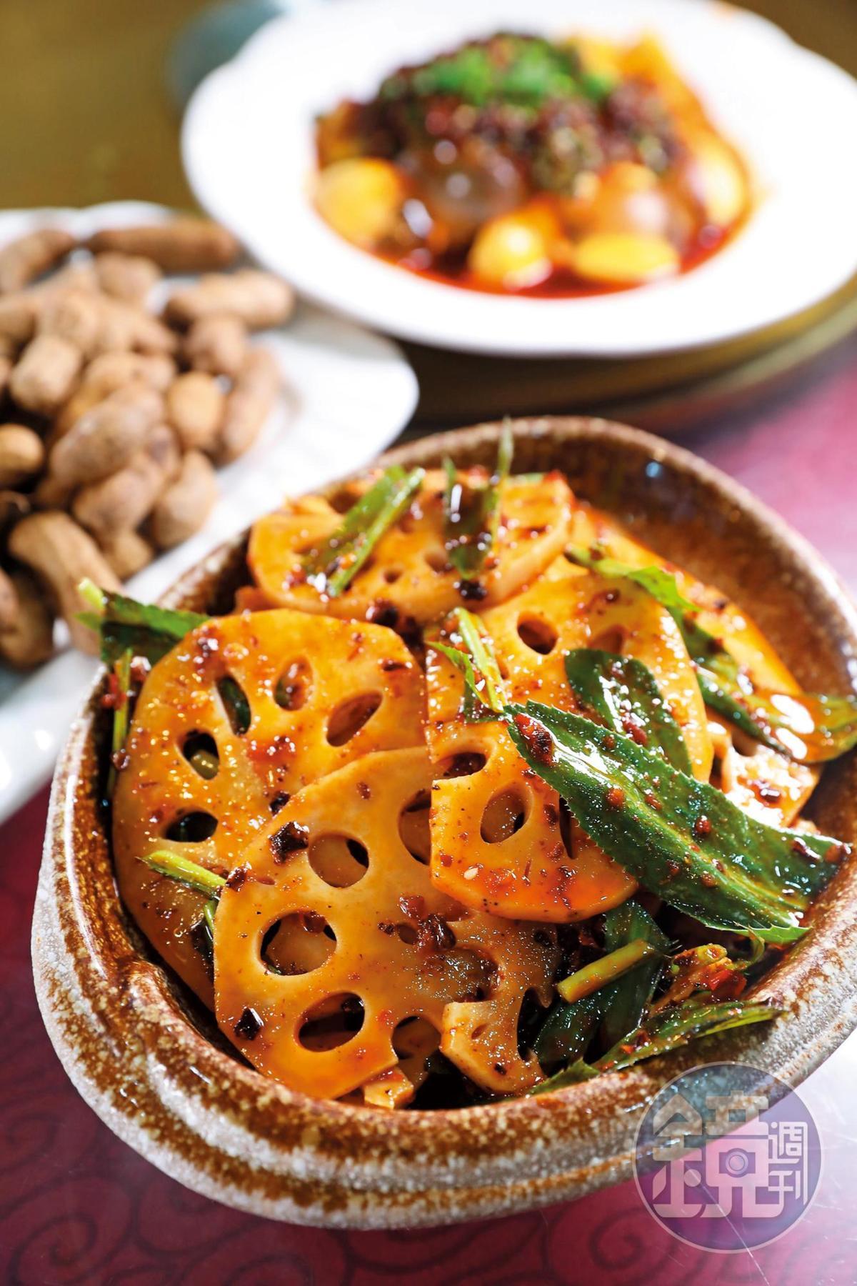 老媽蹄花的涼菜也很精彩,「大葉香菜拌藕」香辣夠味。(人民幣18元/份,約NT$73)