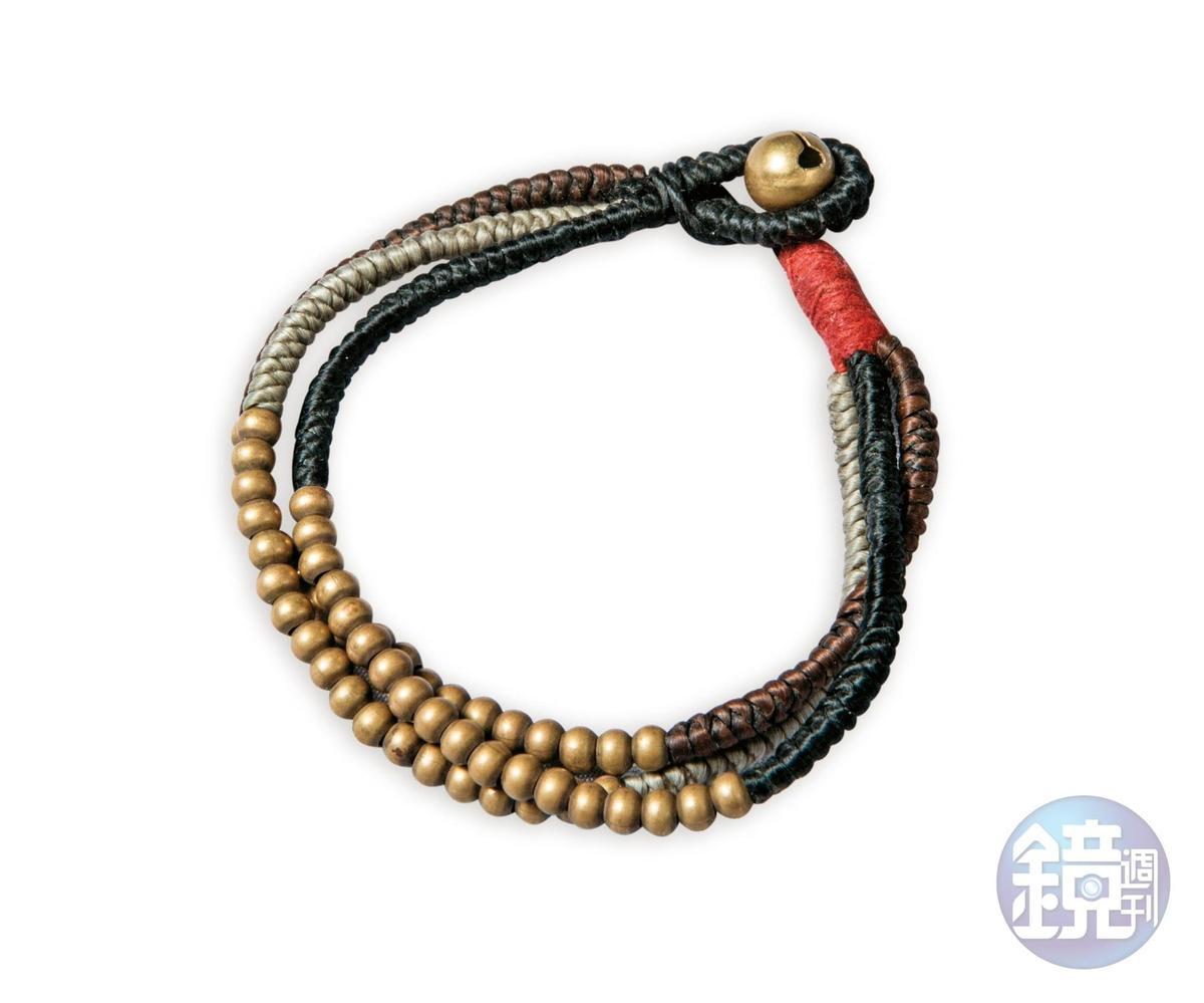 香港小店買的黃銅珠串手環,約NT$200。