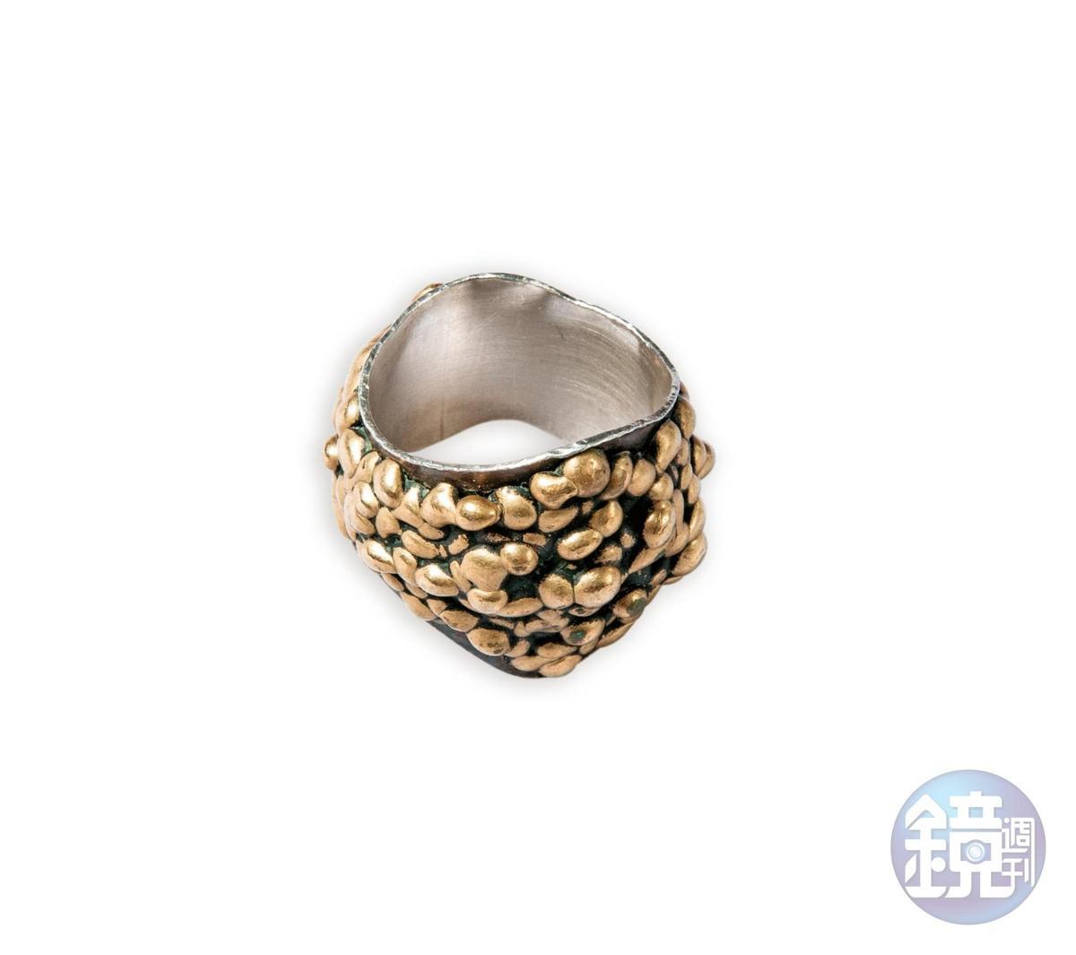 台灣訂做的黃銅戒指,約NT$5,000。