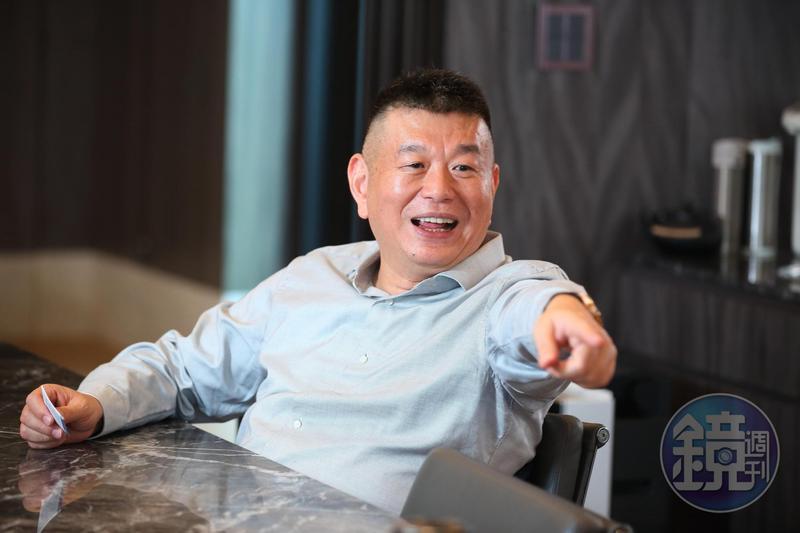 興富發去年是台灣百強企業裡唯一建商,農曆年前集團總裁鄭欽天接受本刊專訪,暢談經營策略。