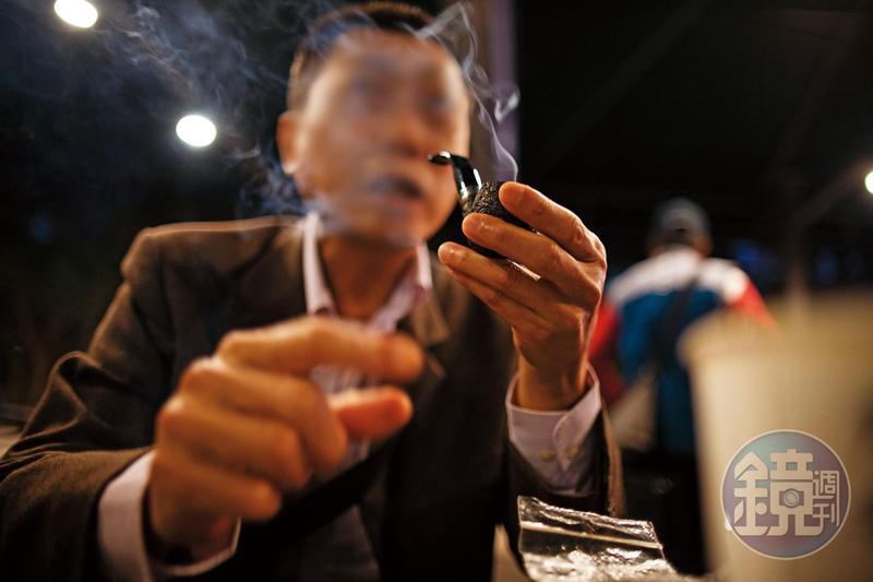 戒了酒、毒,郭先生笑說還戒不了菸。
