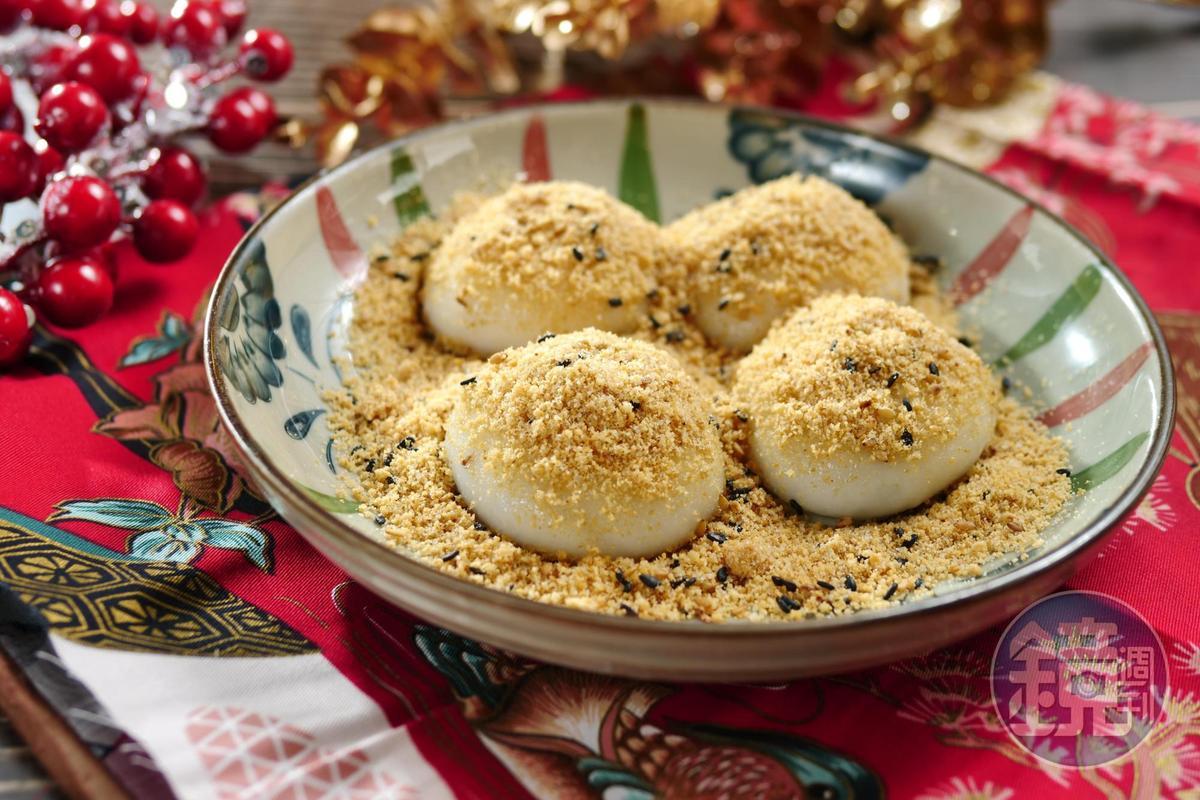 灑上厚厚花生粉的「燒麻糬」,內餡有芝麻和花生口味。(80元/碗)