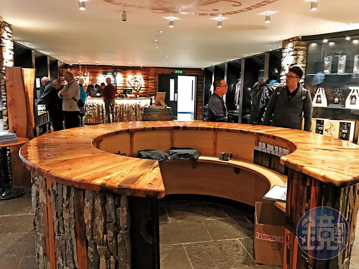 酒廠的遊客中心相當溫韾,裡面的東西也很好買,不僅是酒廠限定酒款,還包括服裝、紀念品等,不會讓你大老遠來卻空手而回。