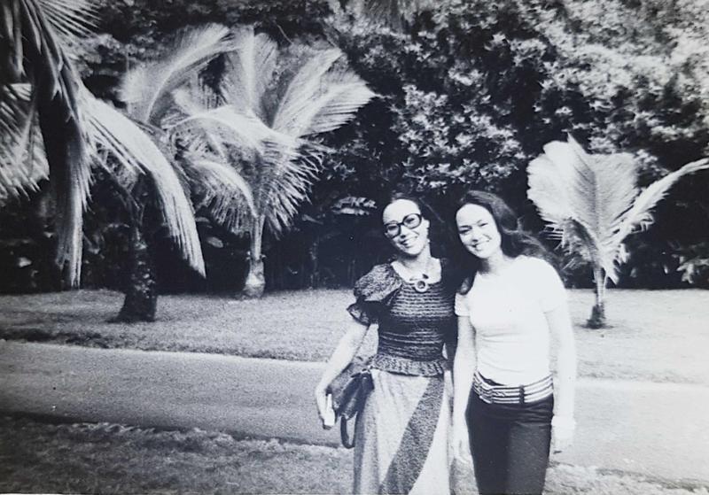 曹金鈴(左)和崔苔菁出道時間差不多,也是好友。(曹金鈴提供)