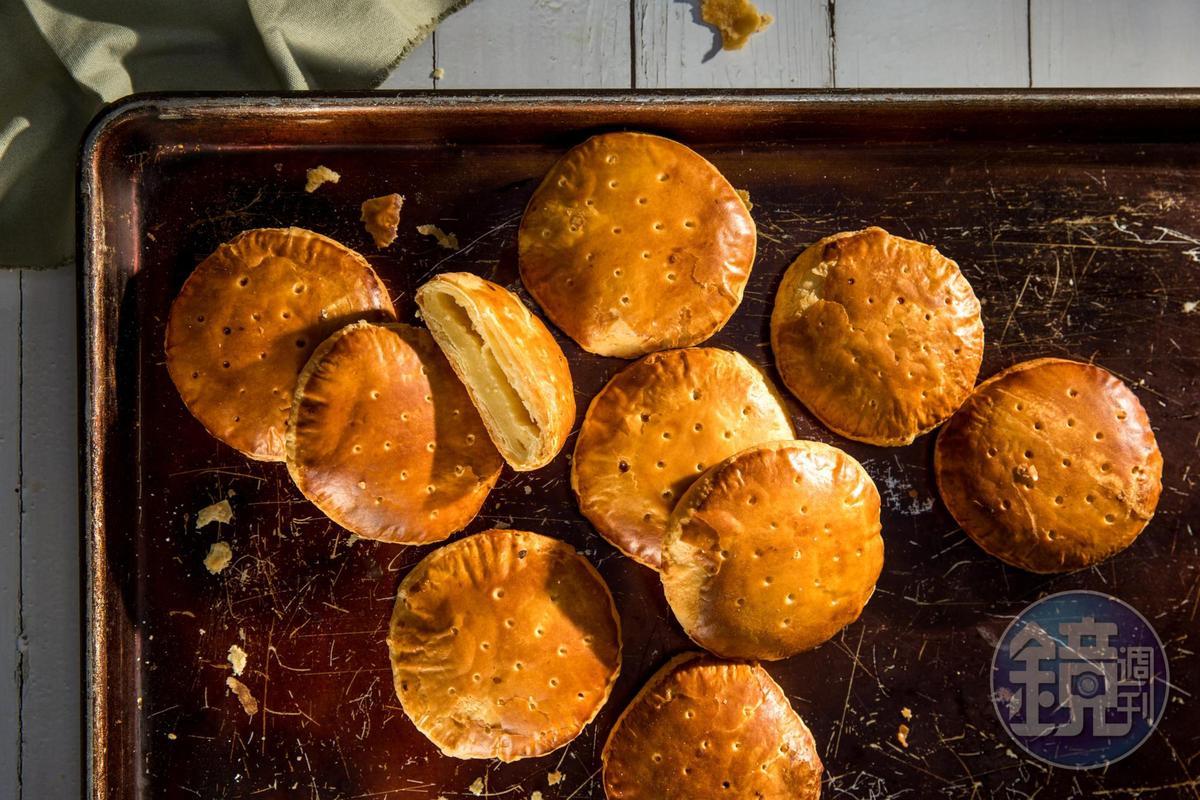 「最愛老婆餅」是「三統漢菓子」最經典的商品。(360元/12入)
