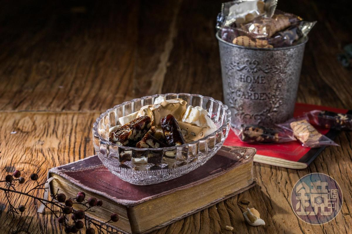 過年一定不能少的傳統「牛軋糖」,皆加入健康的海藻糖製作。(180元~300元/盒)