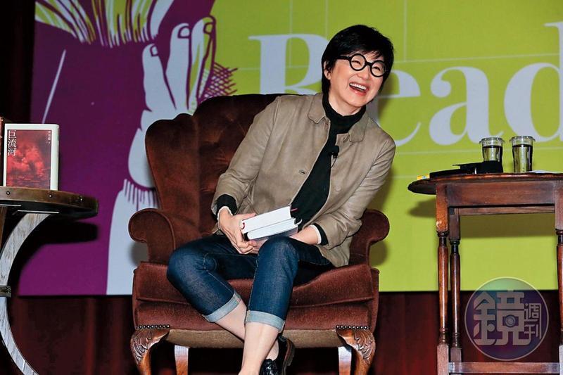 林青霞高齡離婚的消息在各地傳得沸沸揚揚,成了本刊去年娛樂新聞點閱第14名,不過她依舊冷處理,不承認也不否認報導。