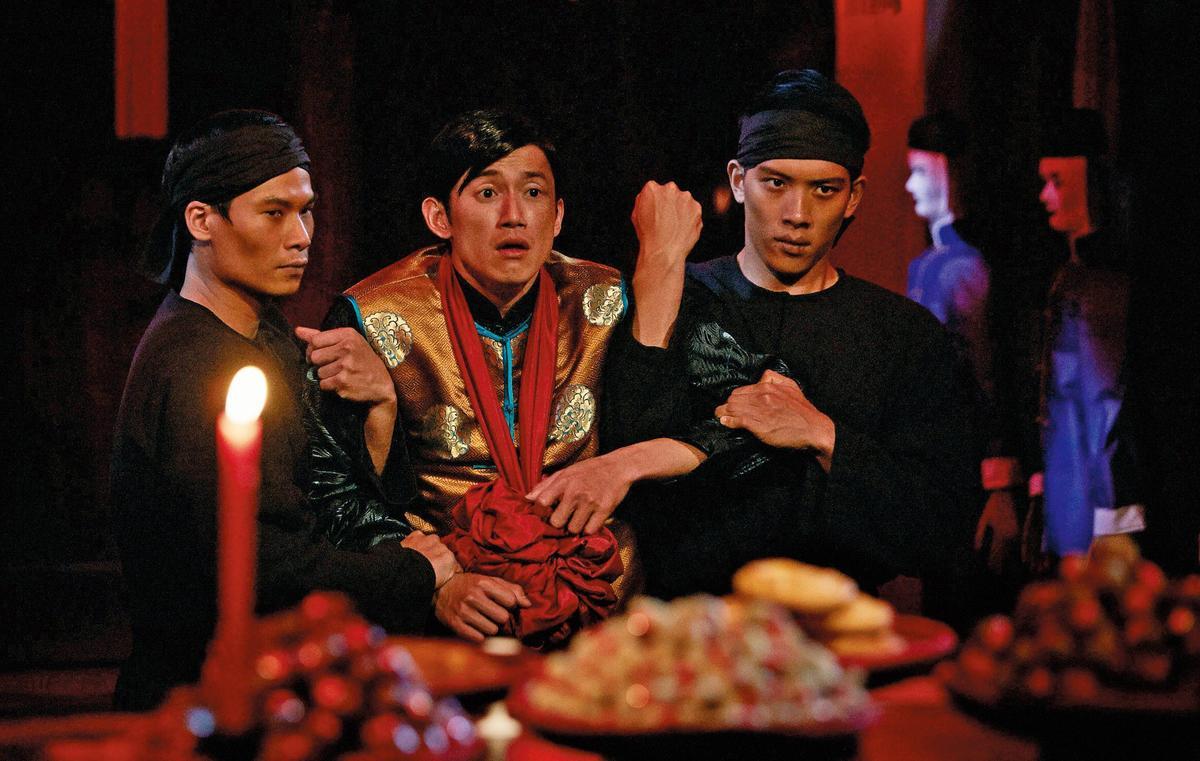 謝庭菡擅長靈異神鬼題材,找來吳慷仁(中)主演的《屍憶》曾入圍台北電影節最佳劇情長片。(大聲創意提供)