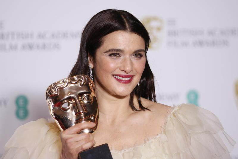 「007嫂」瑞秋懷茲擊敗艾瑪史東、艾美亞當斯等女星,拿下英奧最佳女配角獎。(東方IC)