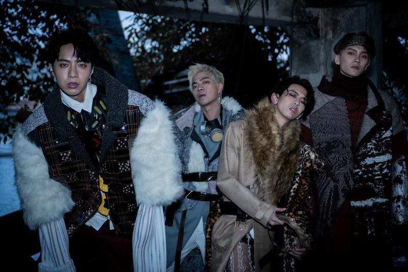 男團泰坦Titan將推出第二張EP《Got Ya Back》,穿著重達5公斤的造型打造末日LOOK。(本勢娛樂提供)