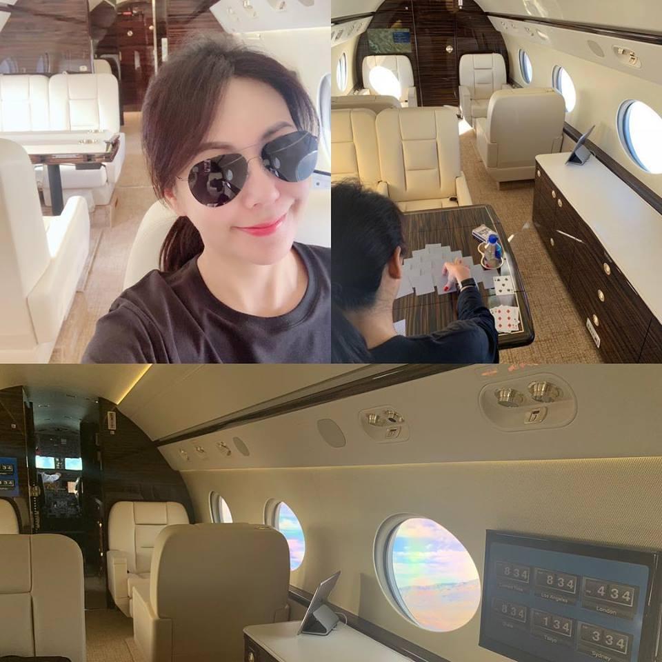 洪曉蕾不知與誰搭乘私人飛機出遊,相當神祕。(翻攝自洪曉蕾臉書)