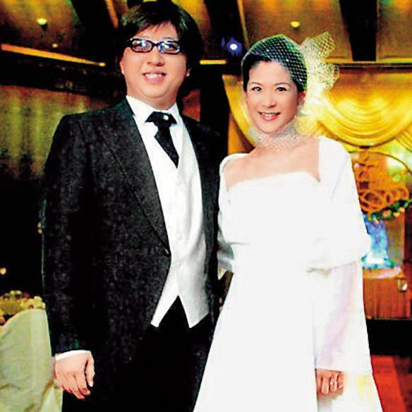 陸元琪雖然跟袁惟仁結婚多年,她一直感覺不快樂,卻也在傳說離異之前已有男人對她很好。(翻攝自陸元琪臉書)