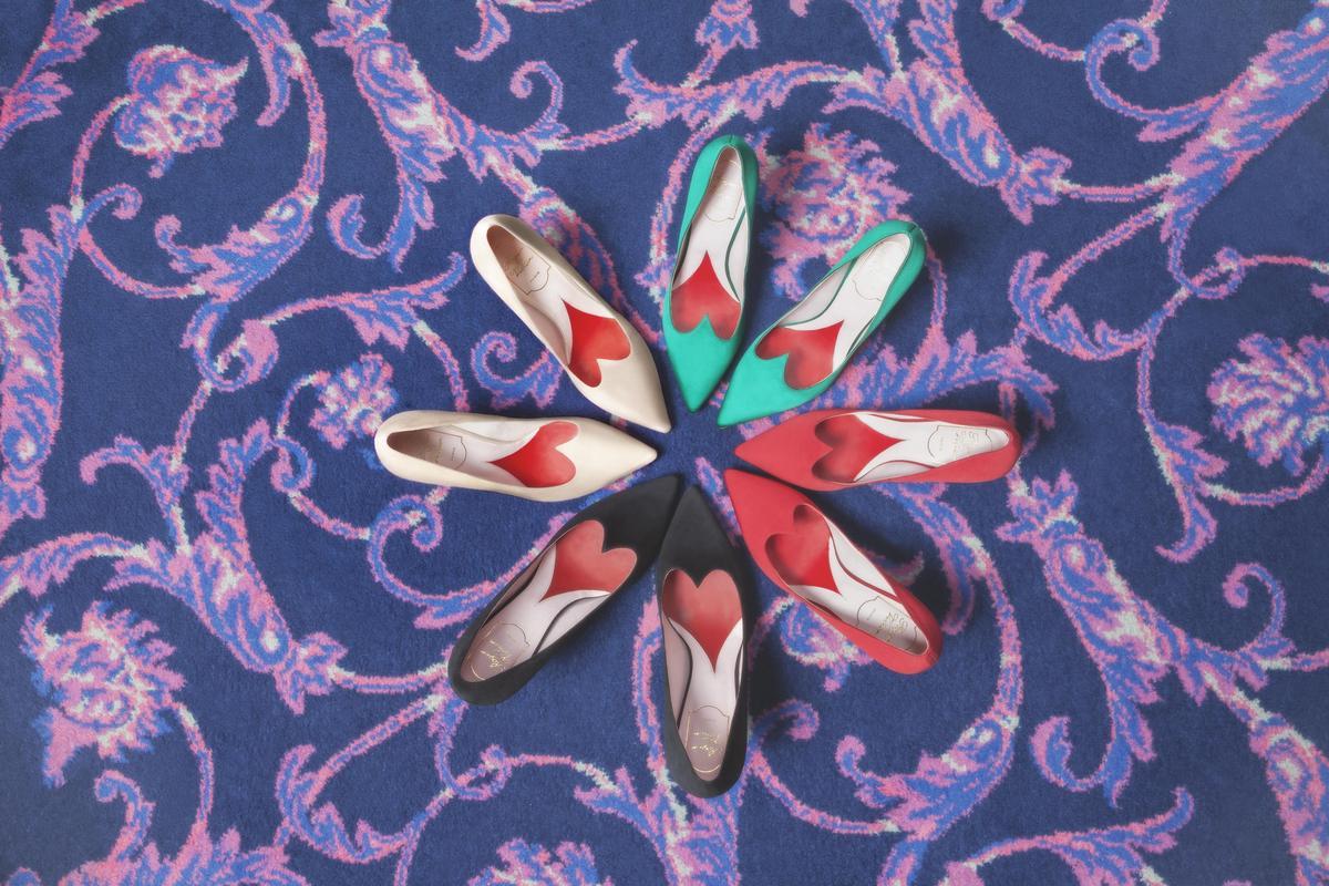 I Love Vivier愛心尖頭高跟鞋有多種顏色可以選擇。(Roger Vivier提供)