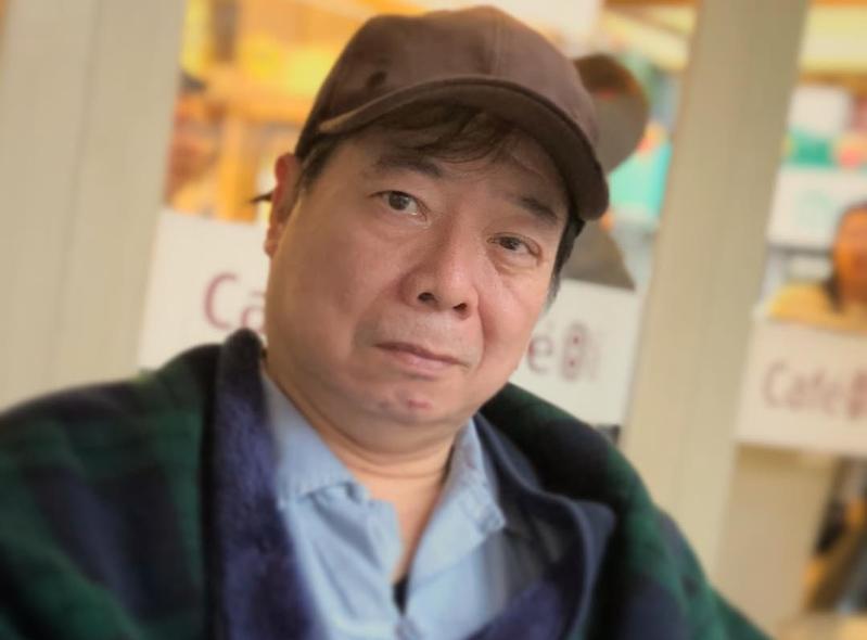 昨(13日)廖峻還PO出戴著帽子的帥照,問粉絲「帥沒?」相當幽默。(翻攝自廖峻粉專)