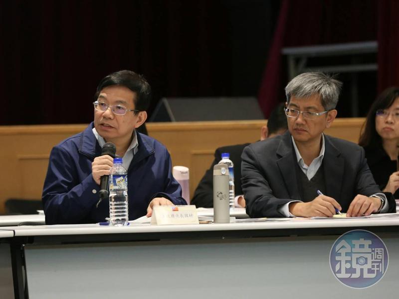 交通部次長王國材(左)更應景以情人比喻勞資雙方,即便偶有爭吵最終還是愛著對方。