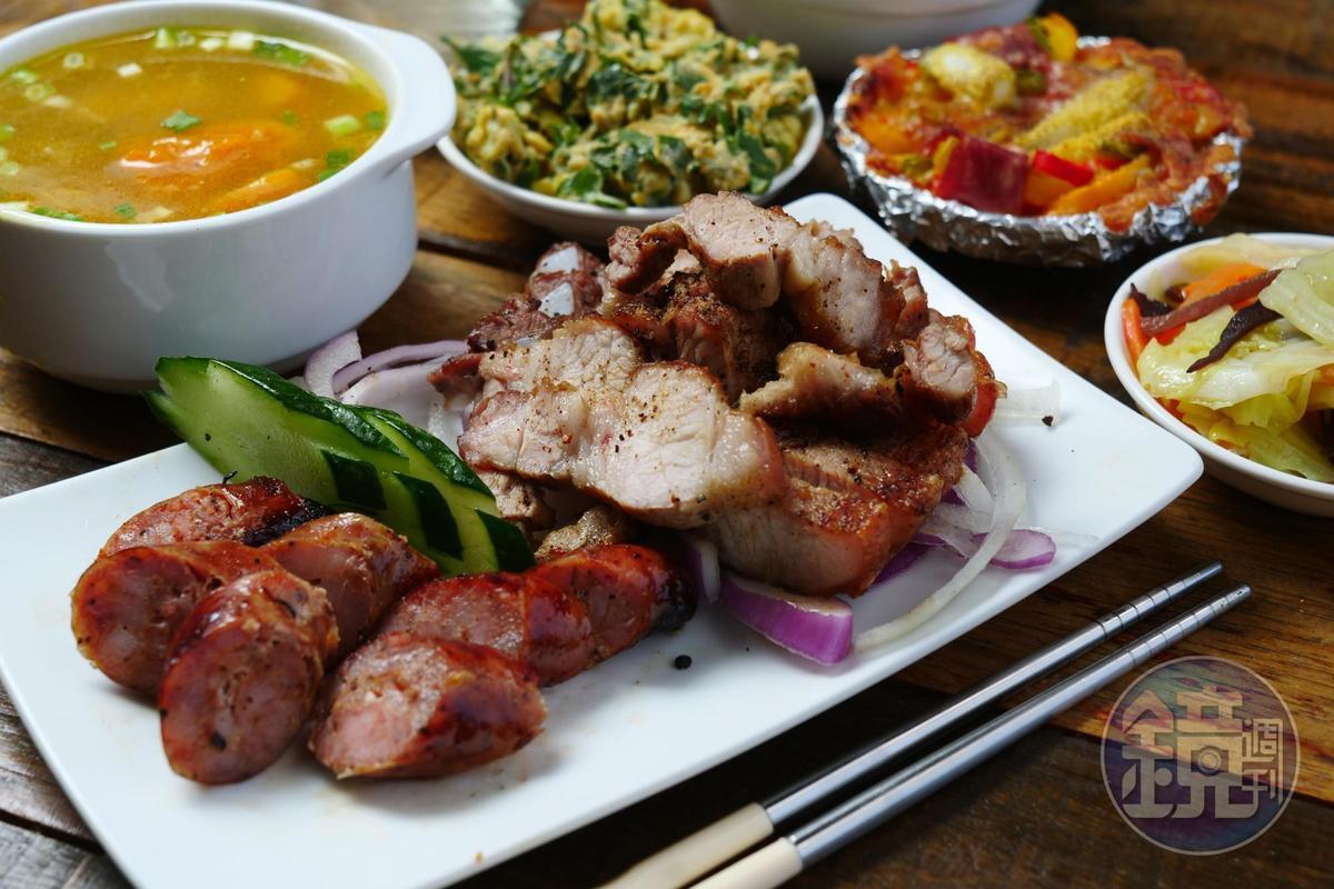 相當可口的「風味餐」, 可以吃到原住民的拿手料理。(250元/ 份,需預訂)