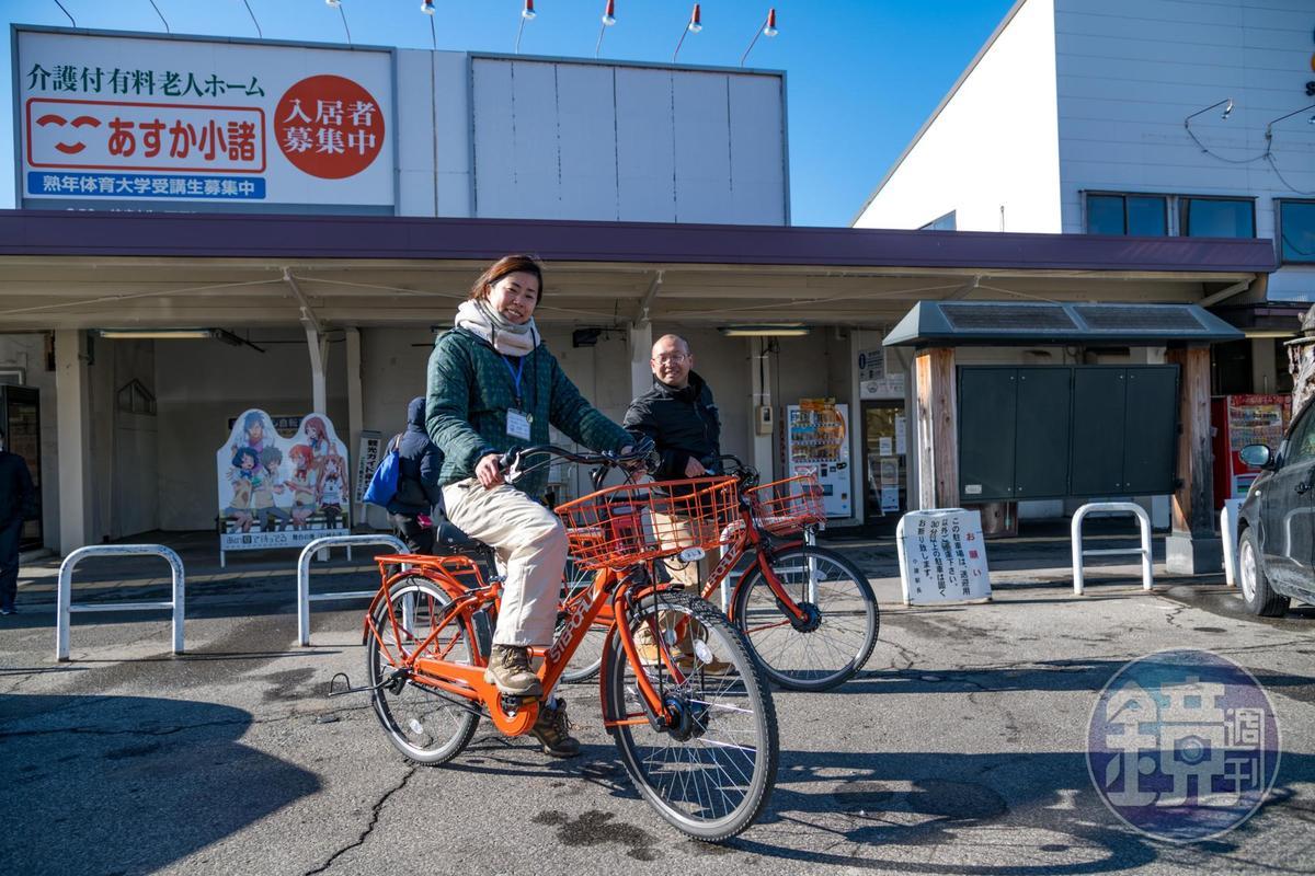 小諸車站前提供單車租借。