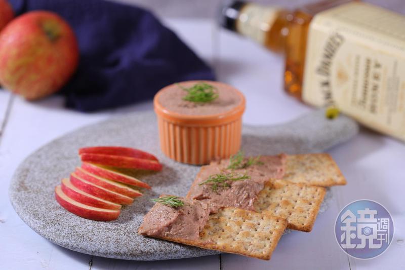 看起來有點難,其實製作過程意外簡單的「蜂蜜威士忌雞肝醬」,是許多廚師偏愛的大人味下酒菜。