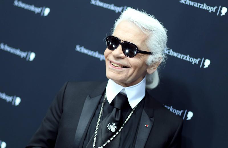 「時尚老佛爺」拉格斐罹癌逝世,圖為他過去參加活動時露出難得一見的笑容。(東方IC)
