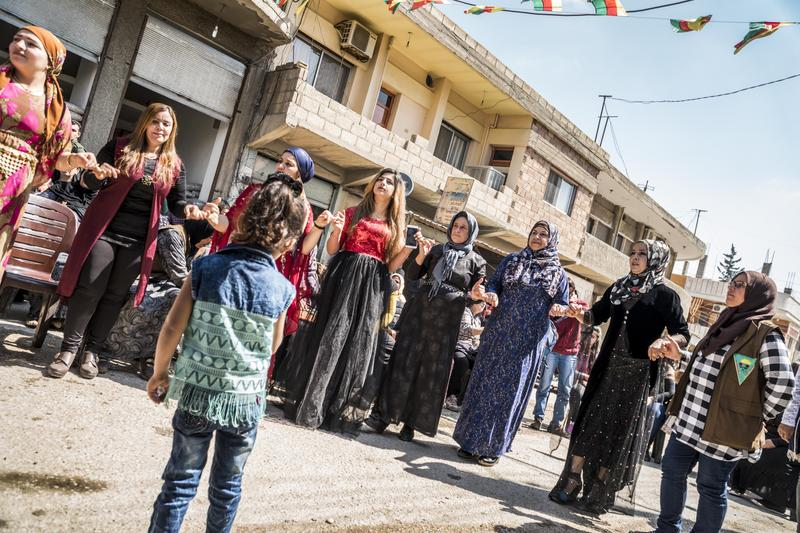 伊斯蘭國內婦女與孩童的處境安危始終受到國際關注。(東方IC)