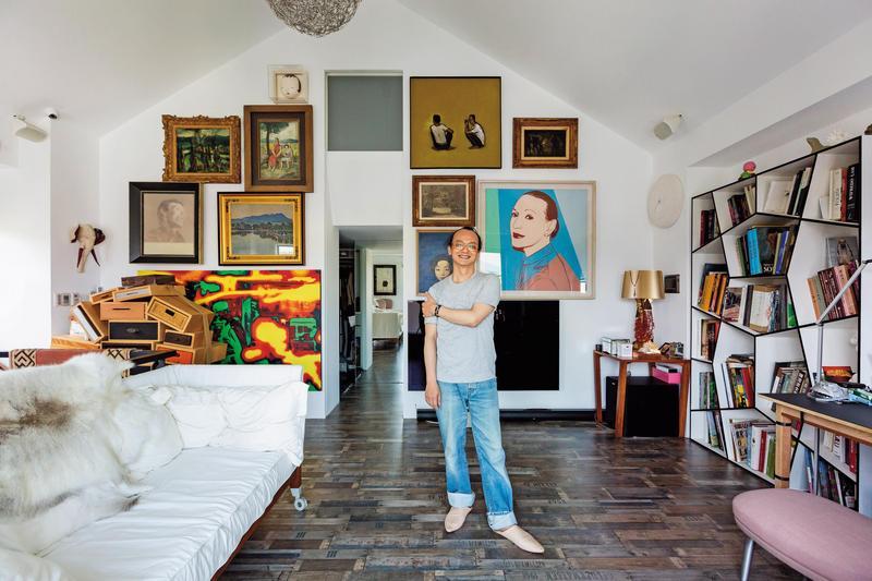 姚謙90年代中期開始蒐藏名畫,最初因喜歡閲讀近代亞洲美術史,故將當代亞洲定為蒐藏重點,近5、6年到現在已包括西方的古典、印象派和當代作品。(姚謙提供)
