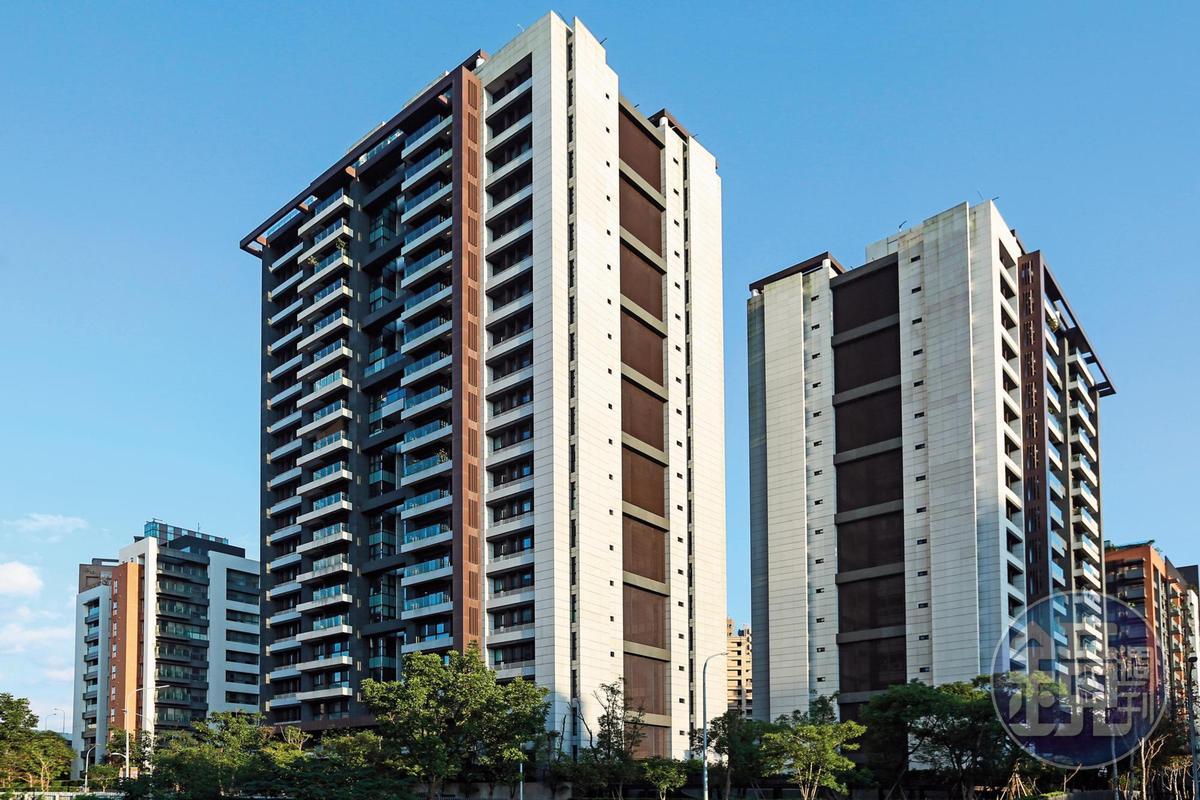 藝人利菁年前自爆已脫手南港百坪豪宅「大同璽苑」(如圖),賠了1,500萬元。