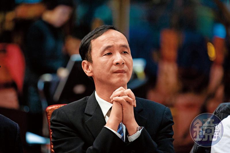 前新北市長朱立倫黨內民調雖領先,如今恐因黨決定徵召韓國瑜而被取代。