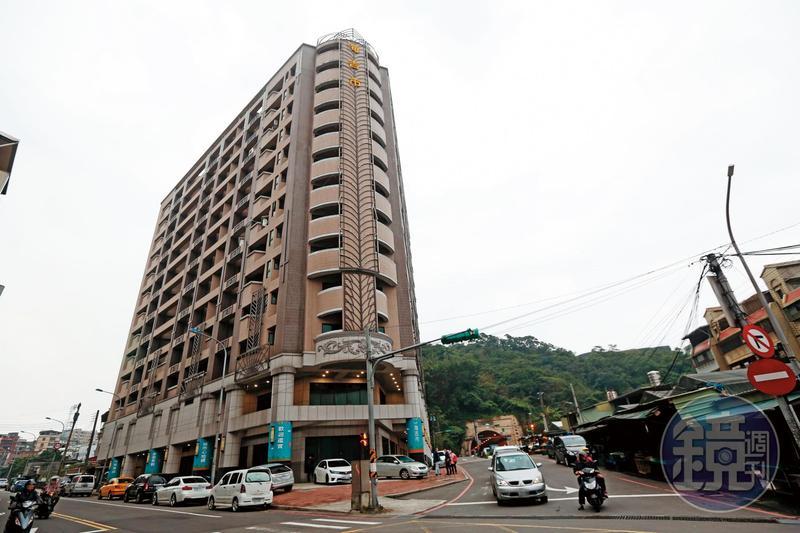 基隆海吉市樓高13層、77戶均已完工,但買家均無法過戶取得產權。