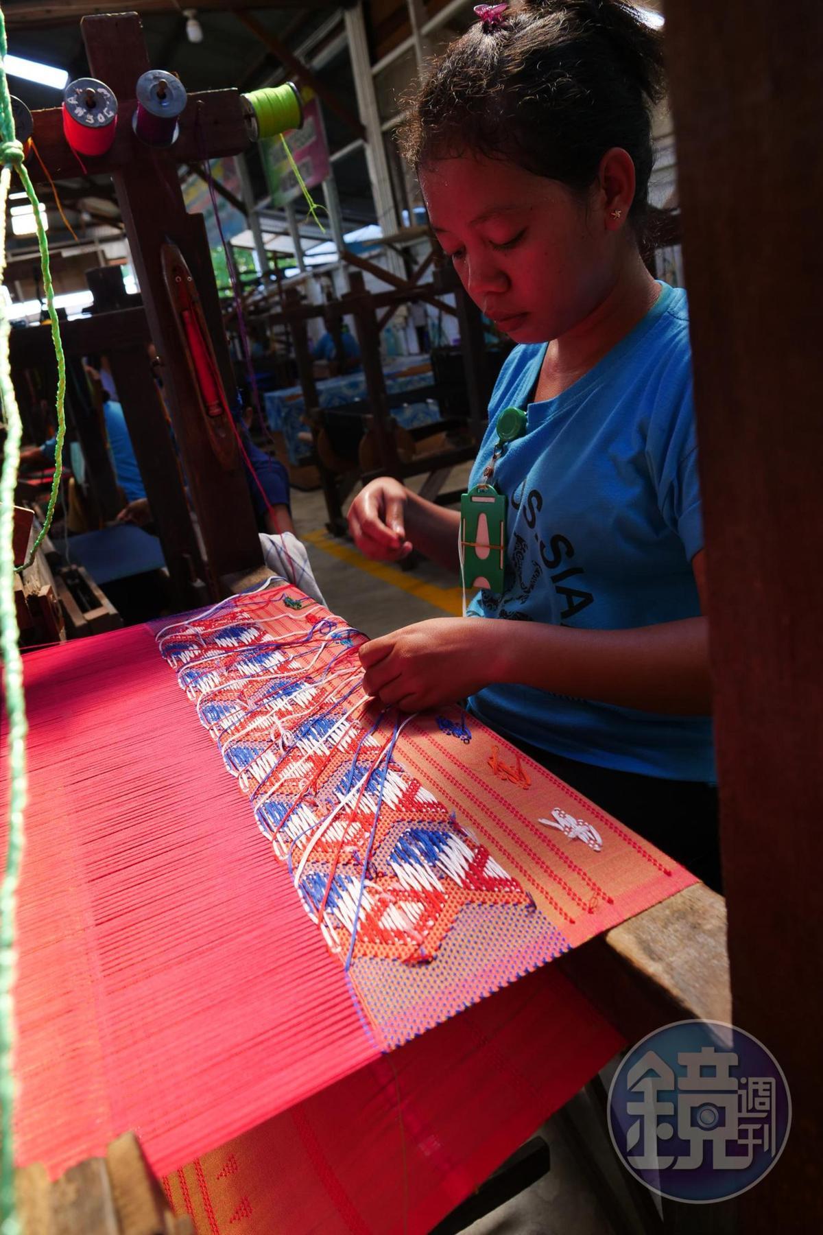 手工織成的Ulos,做工精美細緻。