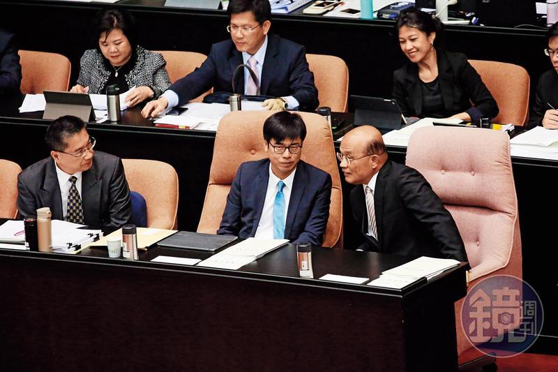 蘇貞昌回鍋閣揆採「大部長、小政委」制,直接要求部會首長負起全責。