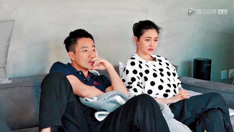 《幸福三重奏》夫妻實境秀中,可常見大S(右)跟汪小菲在生活細節上偶有摩擦。(翻攝自騰訊視頻)