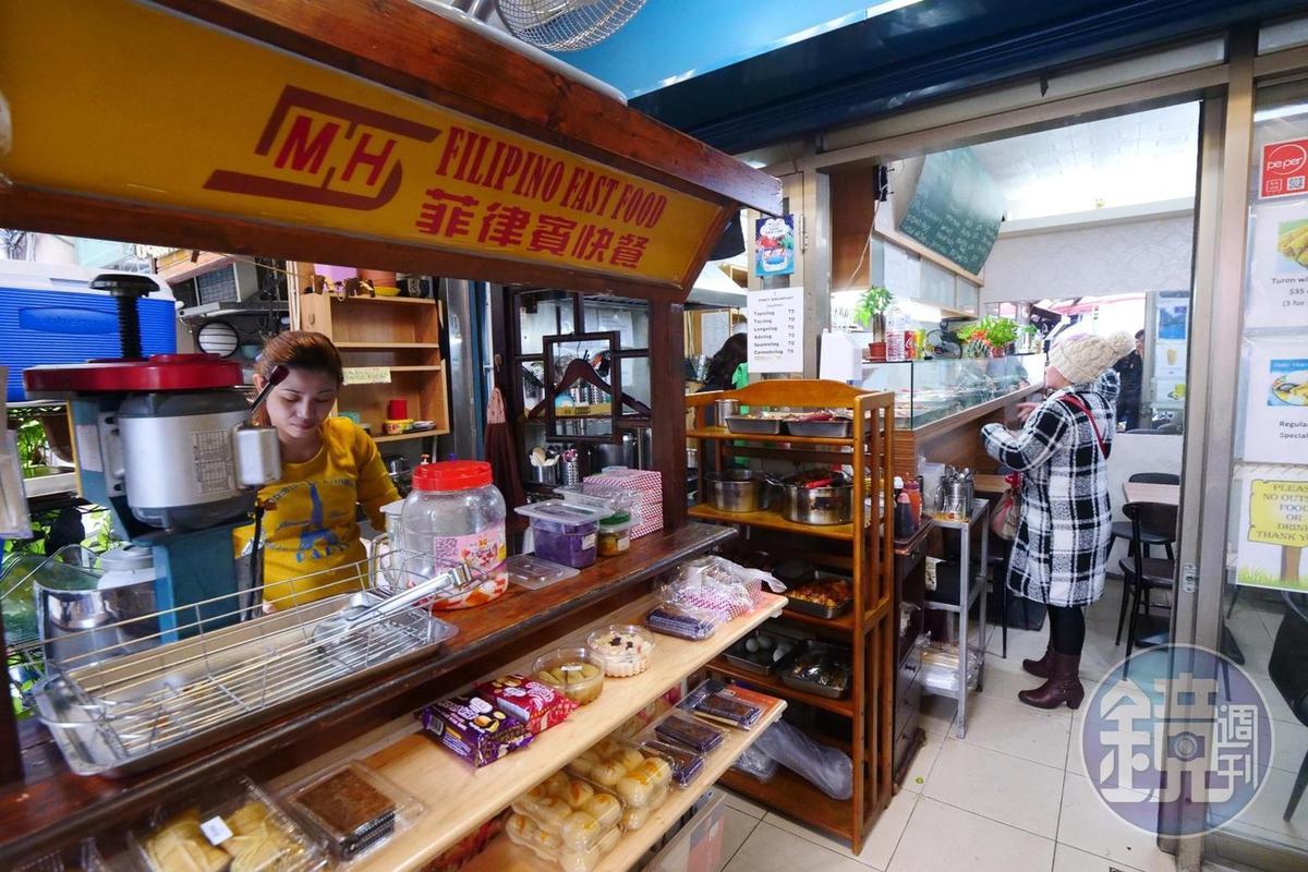 以小攤車在外頭方式販售的甜點,有多種口味可以選擇。