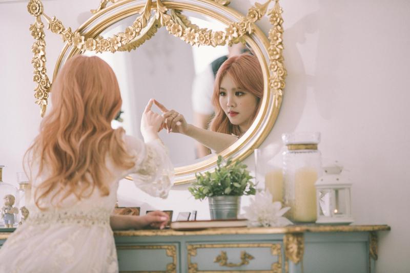 唱片新人王欣晨拍攝MV,斥資400萬台幣由韓國團隊打造夢幻場景。(歆動音樂提供)