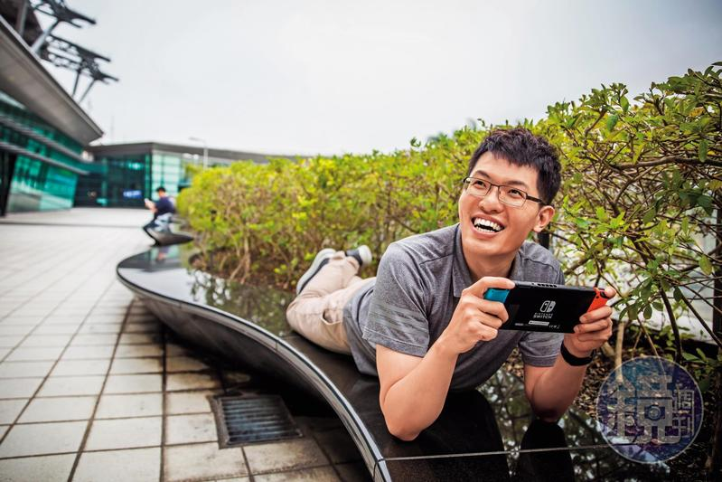 外型陽光、熱愛電玩的蔡司,認為選股如同破關,找到屬於自己的能力圈,堅持下去,總有一天能駕輕就熟。