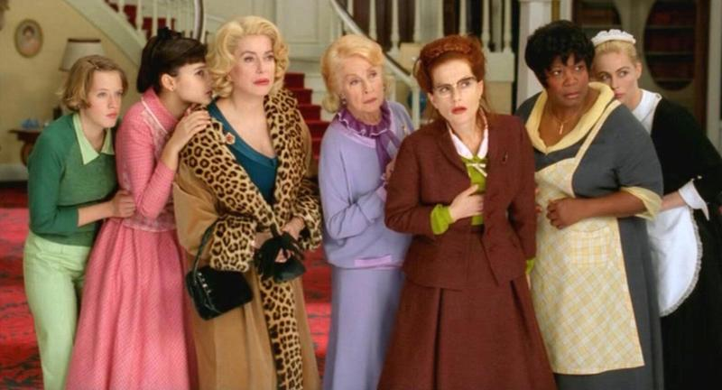 《8美圖》講述豪宅一家之主被謀殺,家中的8個女人各個有嫌疑。(高雄電影館提供)