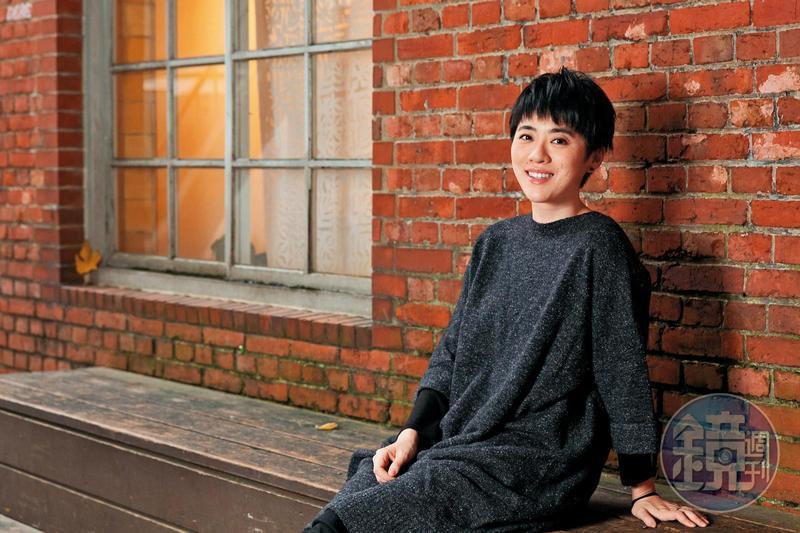 雖然被稱為「來自香港的歌手」,岑寧兒卻因為嚮往台灣的音樂環境,已經在台長住8年。