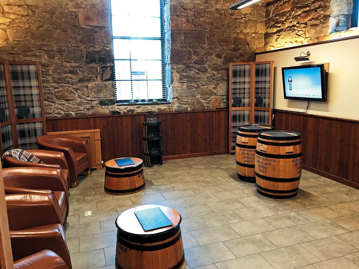 遊客中心內有影音教室,參訪者可從這裡了解酒廠的歷史故事與特色。