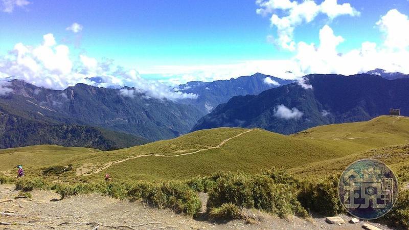 政院推6月山林解禁,希望翻轉台灣多年陳舊的登山觀念,開放山域,讓登山者有更多元選擇。