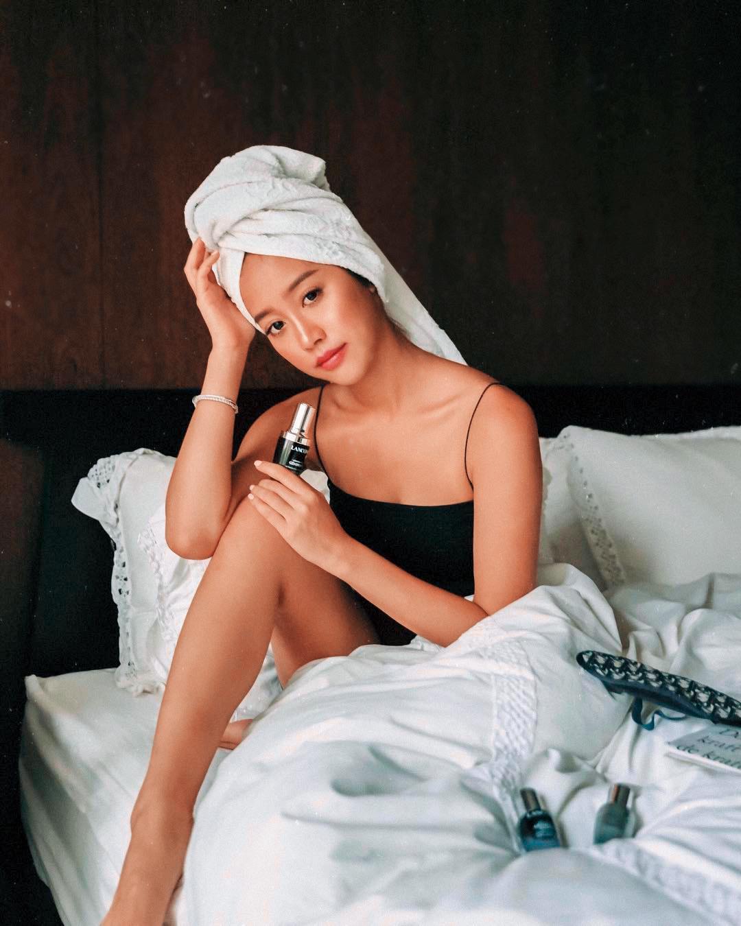 廖津琳(圖)跟雀斑小姐都是IG上的紅人,而且各有風情;廖津琳看來比較成熟有韻味,雀斑小姐嬌媚而且擅於修圖。(翻攝自廖津琳IG)