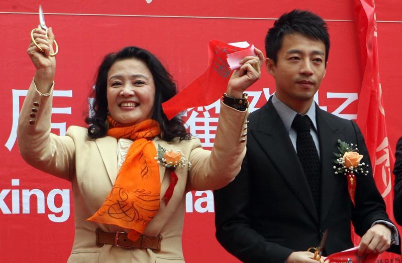 大S婆婆張蘭被認定為藐視法庭,遭香港法院判刑一年,法官同時還下令拘捕。(東方IC)