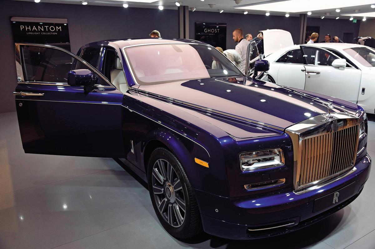 業者為吸引投資者上門,祭出千奇百怪的招數,例如只要繳交30萬元入會,便能擁有勞斯萊斯汽車。(東方IC)