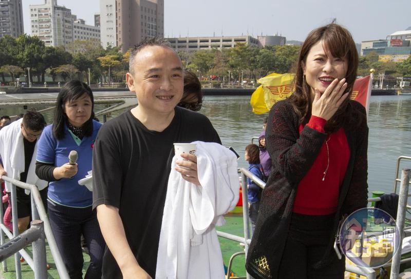 早在去年底上任前,觀光局長潘恆旭(前左)就表示今年3月邀影星阿諾史瓦辛格來高雄演講,但眼看3月過了一半,仍未見下文。