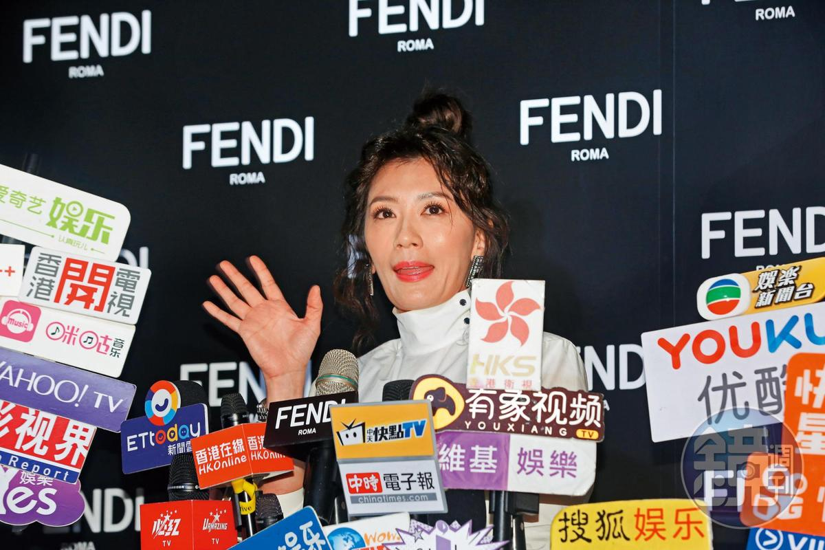 劉嘉玲跟賈靜雯同台散發一種妙不可言的婆媽氛圍,她們還曾共享同位緋聞名T。