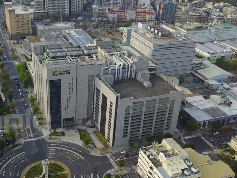 謝金河呼籲高雄市長韓國瑜,一定要「懂得把日月光半導體公司當成新地標」,高雄有機會蜕變成科技之都!(翻攝自謝金河臉書)