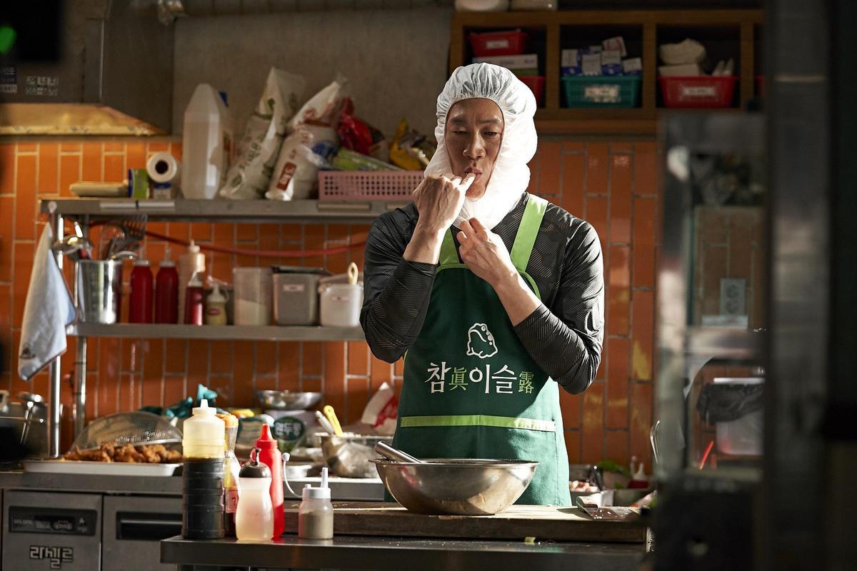 電影《雞不可失》在台灣賣出佳績,Bii畢書盡最欣賞電影裡的「馬刑警」。(CatchPlay提供)