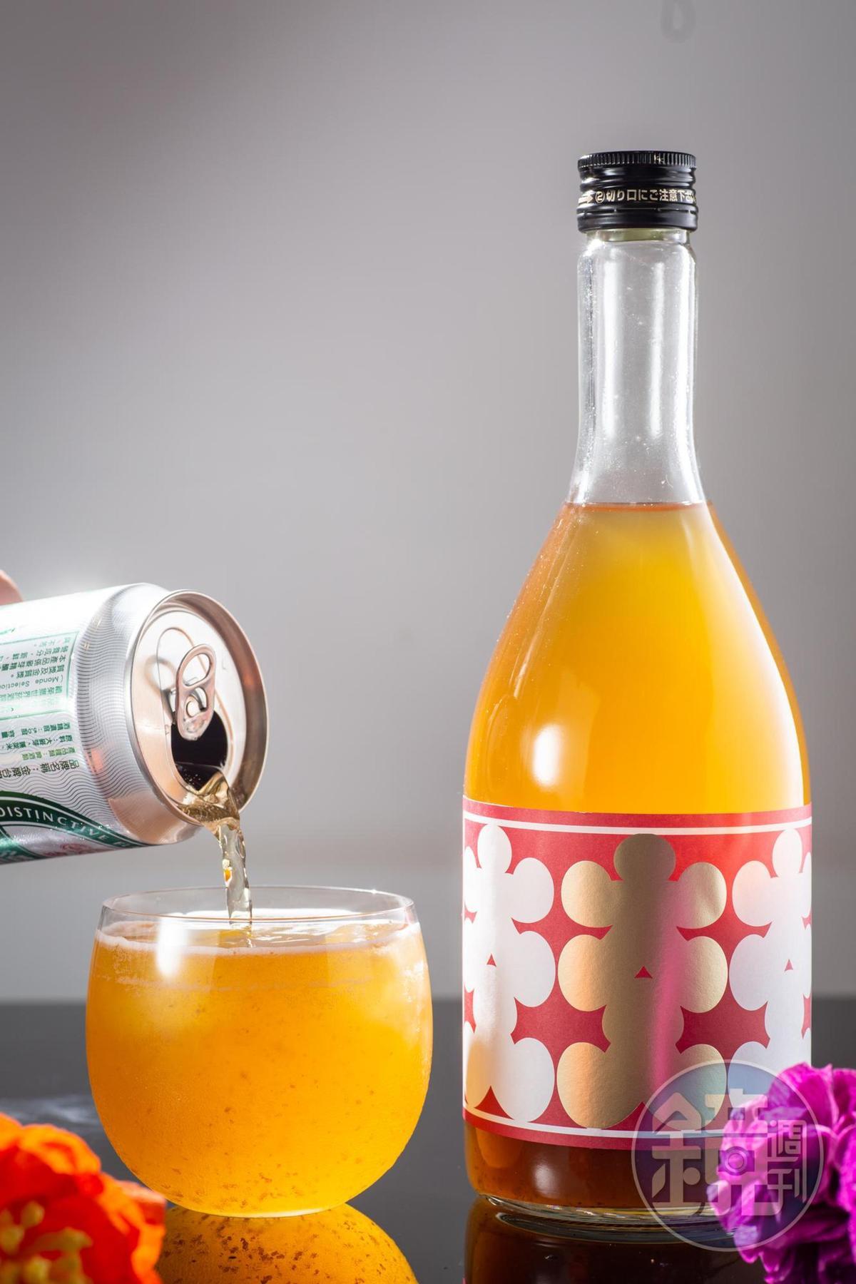 「西山梅酒濁濁」的梅果果肉含量達45%,果香十足,加入1比1的台灣啤酒,能調和甜味,帶出梅子香氣。(1,090元/瓶)