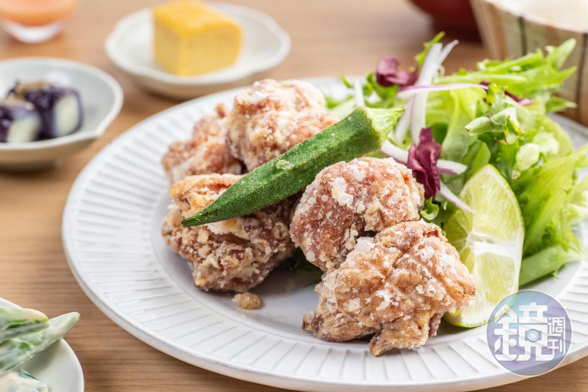 「龍田揚炸雞定食」的雞肉有先用醬油醃漬,再裹北海道馬鈴薯粉油炸,皮薄酥脆,鹹嫩入味。(340元/份)