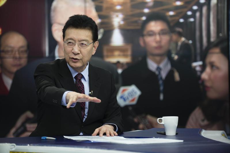 趙少康《少康戰情室》將增加週末戰線,週一到週六都看得到。(TVBS提供)