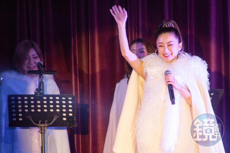 日本女星酒井法子獻出台灣首次晚宴秀。