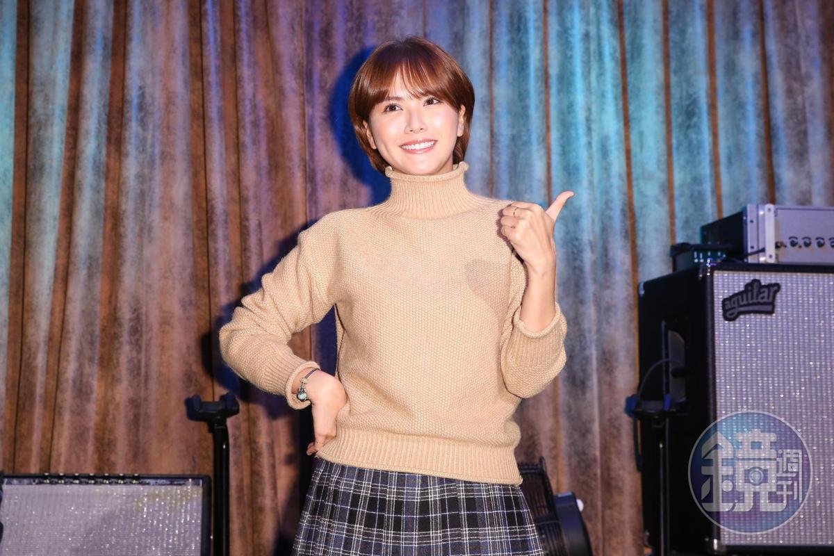 方語昕表示為了唱周興哲新歌,花了一天時間在家練了100多遍,力求完美。